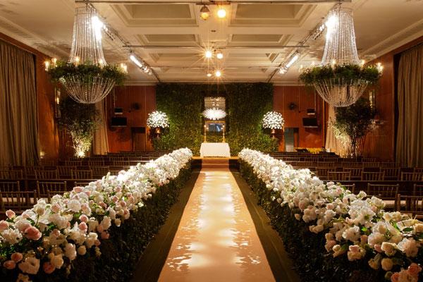 decoracao casamento moderno : decoracao casamento moderno:Achei essa decoração de hortências azuis com flores brancas a cara