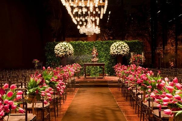 Decora??o do Altar na Igreja - Peguei o Bouquet